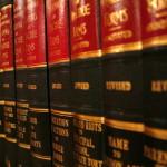 Bardzo notorycznie ludzie dzisiaj potrzebują asysty prawnika.